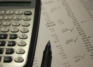 מקימים עסק בתחום הצילום: דברים שחשוב לדעת על החזרי מס לעצמאיים